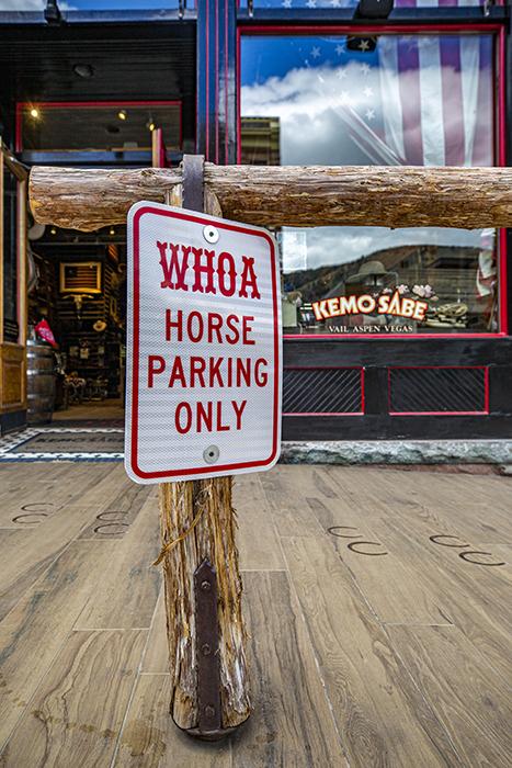 Kemo Sabe horse parking